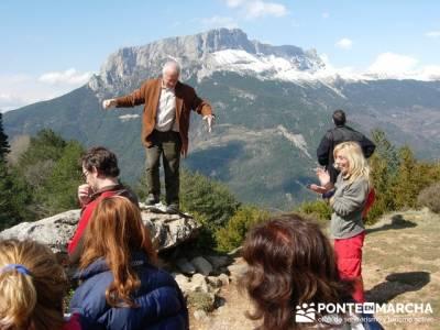 Menhir Tella; senderismo organizado; clubs montaña madrid